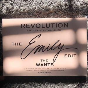 "Makeup Revolution ""The Emily Edit"" Palette"